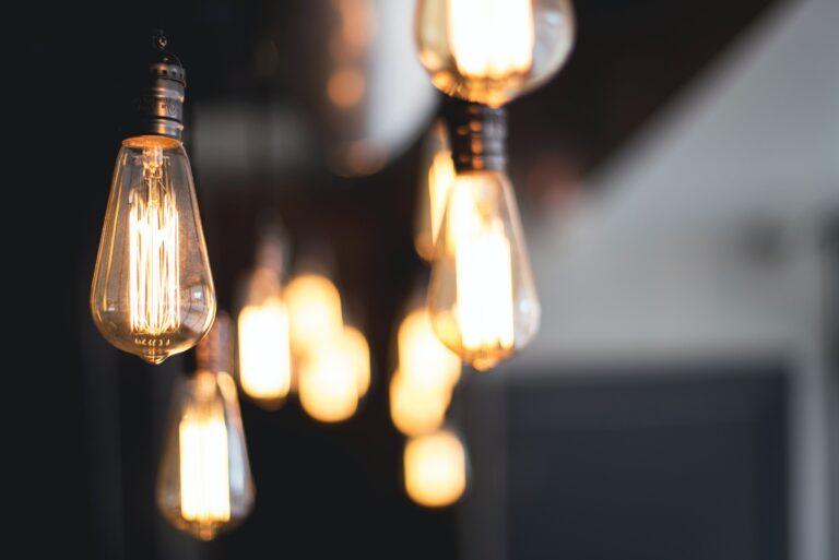 Tips para ahorrar luz en tu espacio